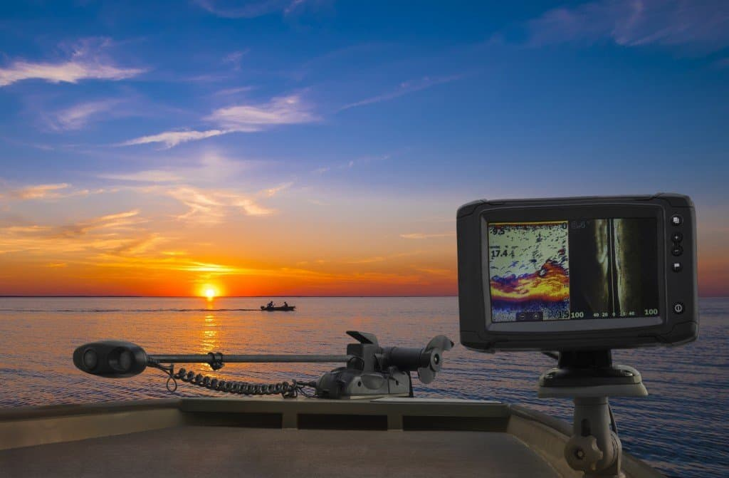 how to read a fish finder